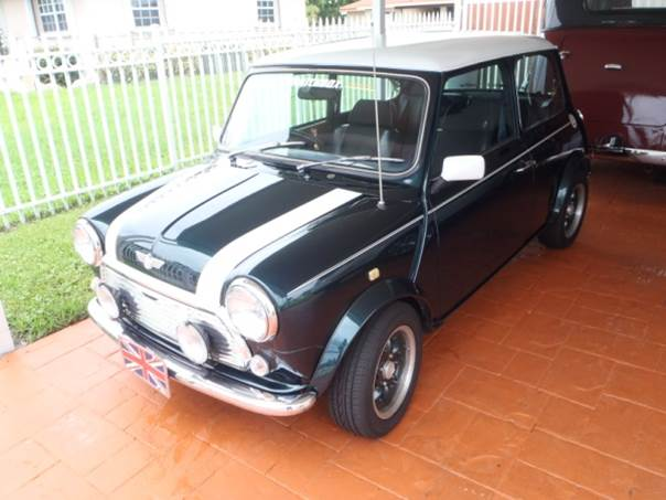Austin Mini Cooper at Platinum Car Rental