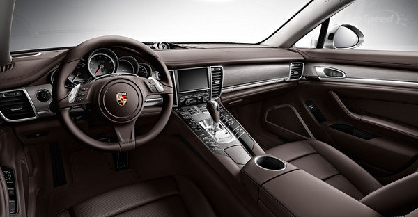 Porsche Panamera at Platinum Car Rental