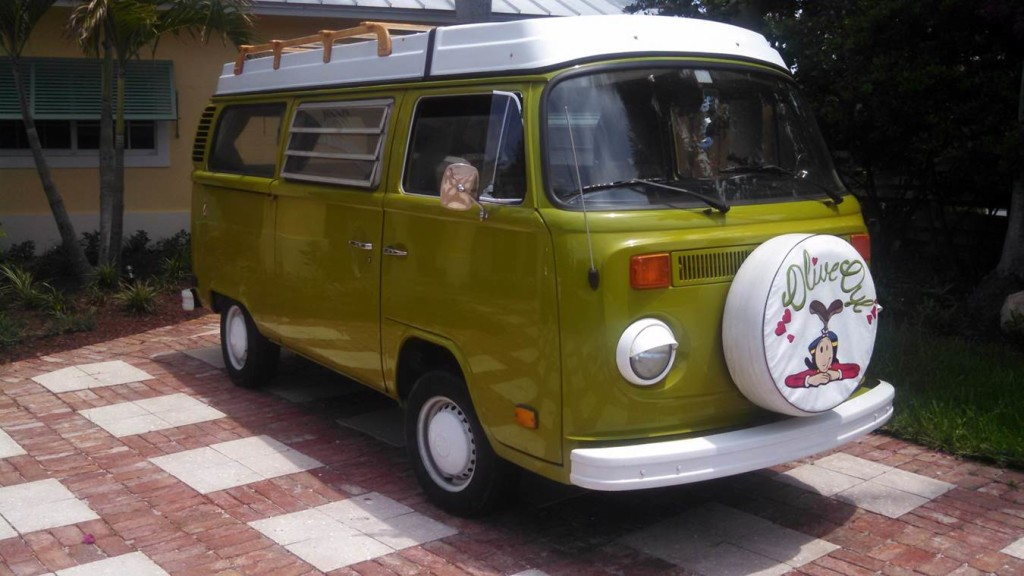 Volkswagen Bus Classic Platinum Car Rental
